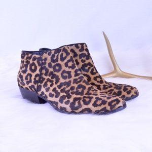 Sam Edelman Cheetah Booties Sz 9